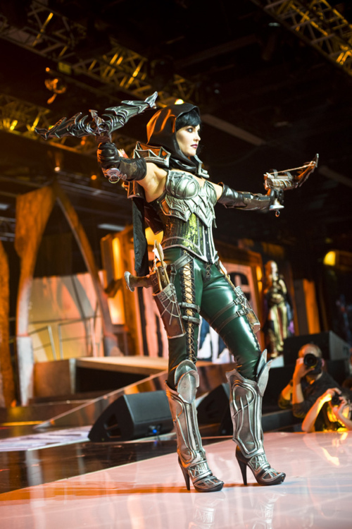 Demon Hunter Cosplay