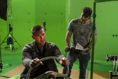 Josh-Brolin-Sin-City-BTS-550x366