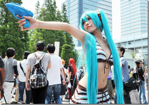 vocaloid 2 cosplay - hatsune miku 21 from summer comiket 2011